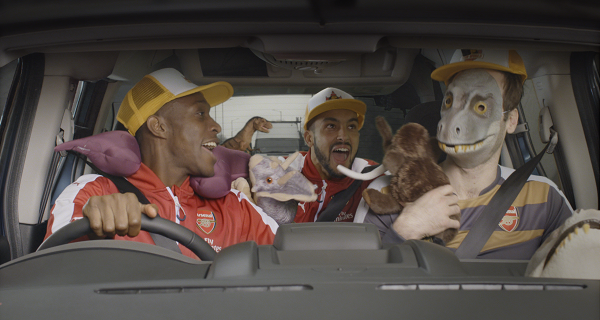 Three men in a hire car… starring Arsenal players Petr Cech, Theo Walcott and Danny Welbeck