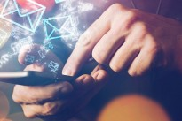 Research Infographic : Europeans addicted to email, marketers must evolve to engage them
